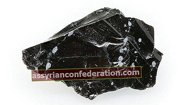 흑요석은 무엇이며 어디서 어떻게 발견됩니까? 흑요석 돌을 이해하는 방법? 기능 및 이점