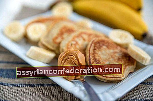 Per mantenerti pieno tutto il giorno: pancake alla banana senza zucchero